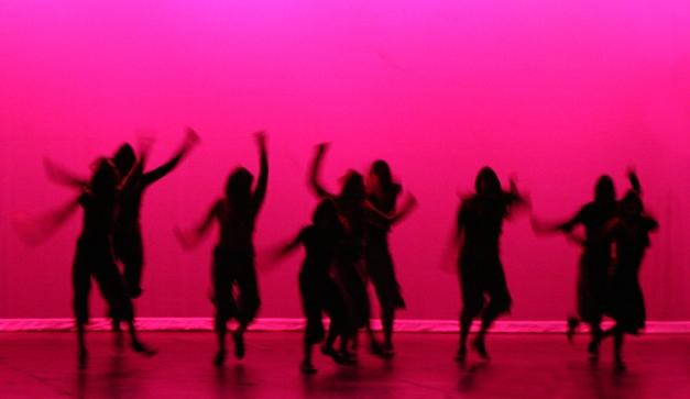 Baila en una antro y muestra el culo - 2 6