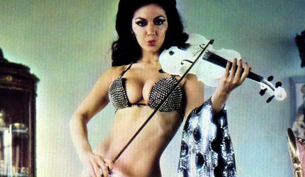 Olga Breeskin Sexy Photo