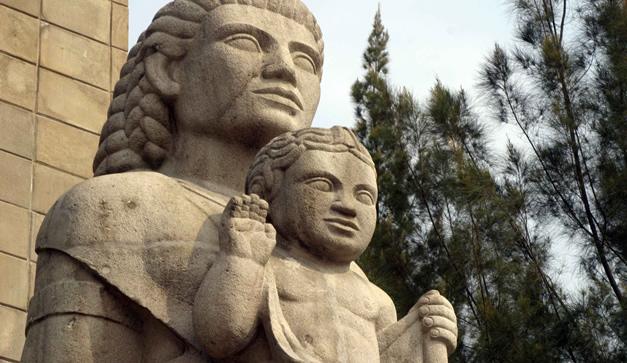 cual-es-la-historia-del-monumento-a-la-madre