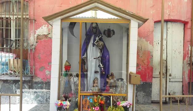 5 Altares a la Santa Muerte - Chilango