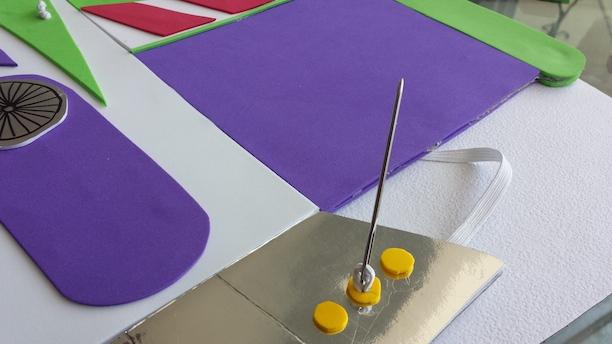 Instrucciones para hacer un disfraz de Buzz Lightyear para tu peque ... 10090086f5d