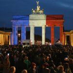 galeria-monumentos-se-iluminan-en-apoyo-a-francia