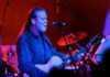 Gregg Allman tocando en 2016