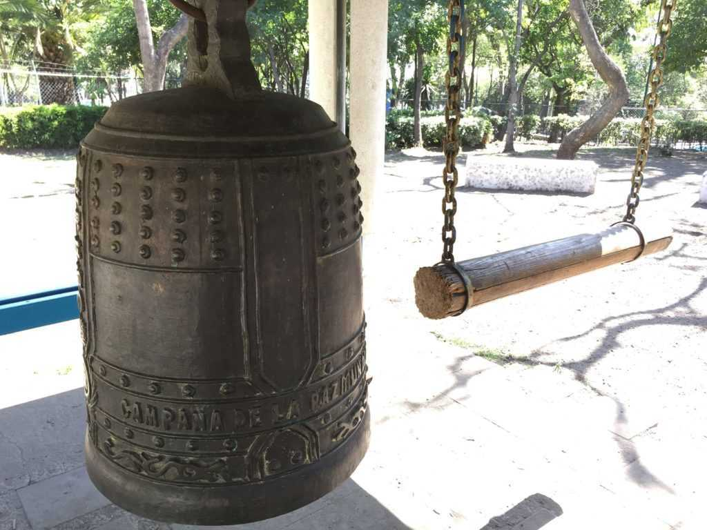Parque Lira campana de la paz