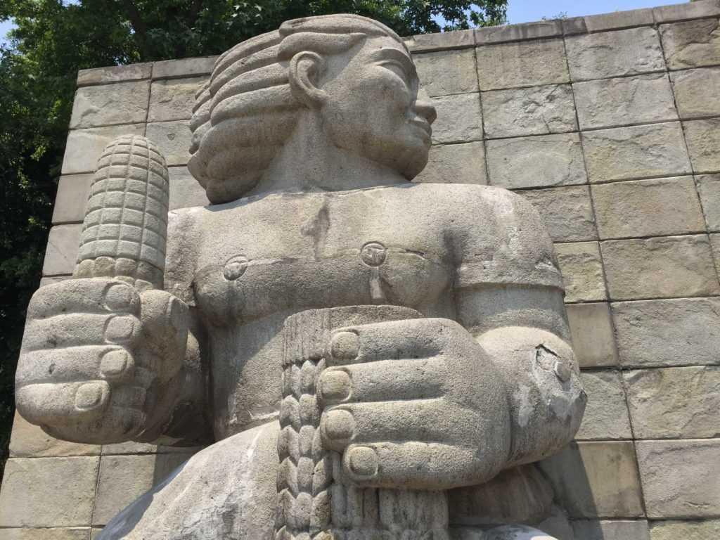 Monumento a la madre escultura