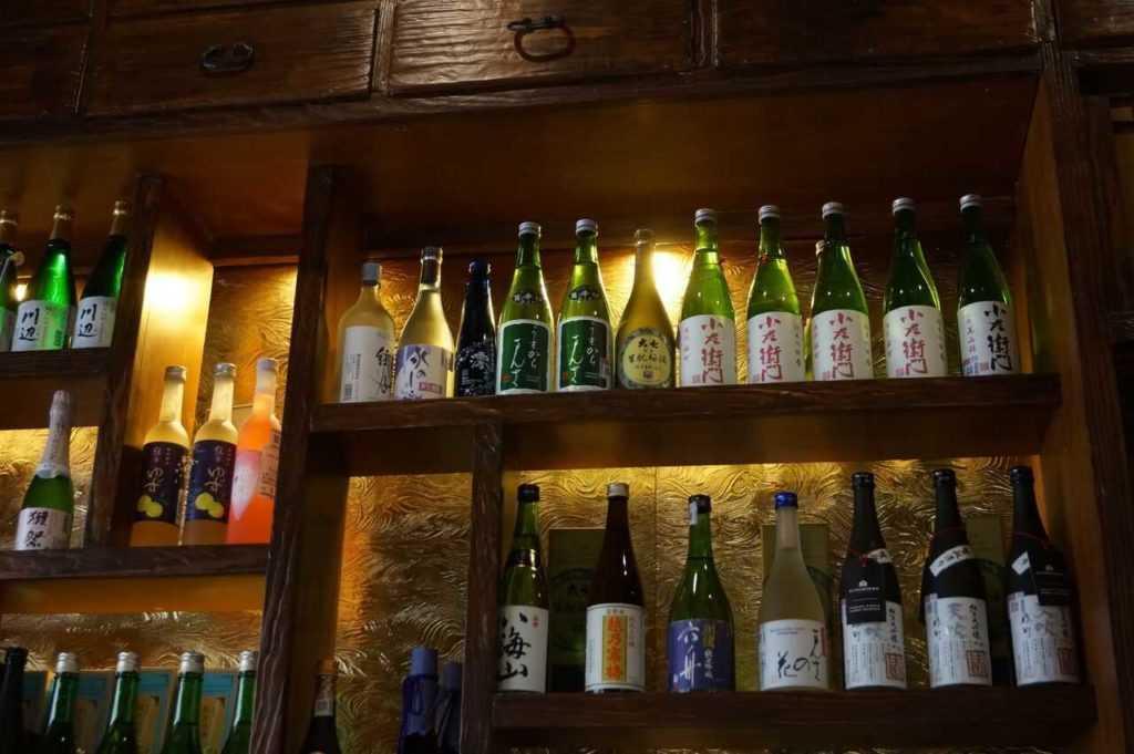 En Zoku puedes encontrar hasta 50 etiquetas de sake