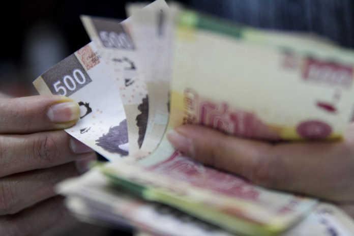 Delegaciones derrochan dinero público