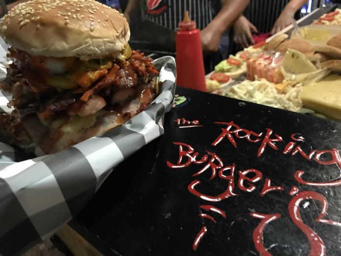 Con ustedes la hamburguesa heavy metal