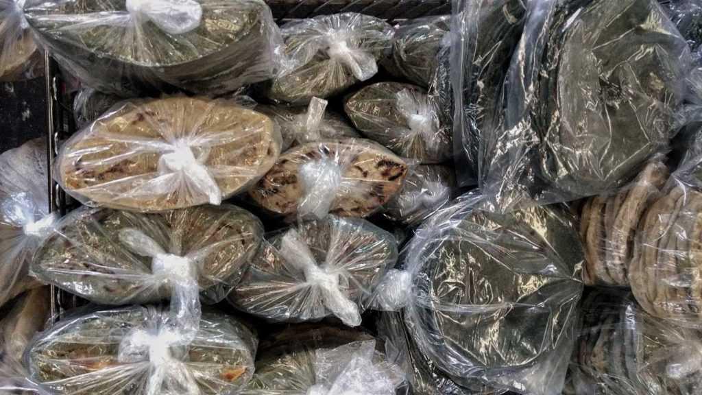 Tlacoyos del mercado de Jamaica