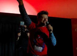 Andy Serkis vino a promocionar su nueva película el Planeta de los Simios 3: La Guerra