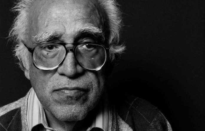 """La expo """"Monsiváis y sus contemporáneos"""" presentará ocho secciones sobre la obra del escritor en diferentes áreas"""