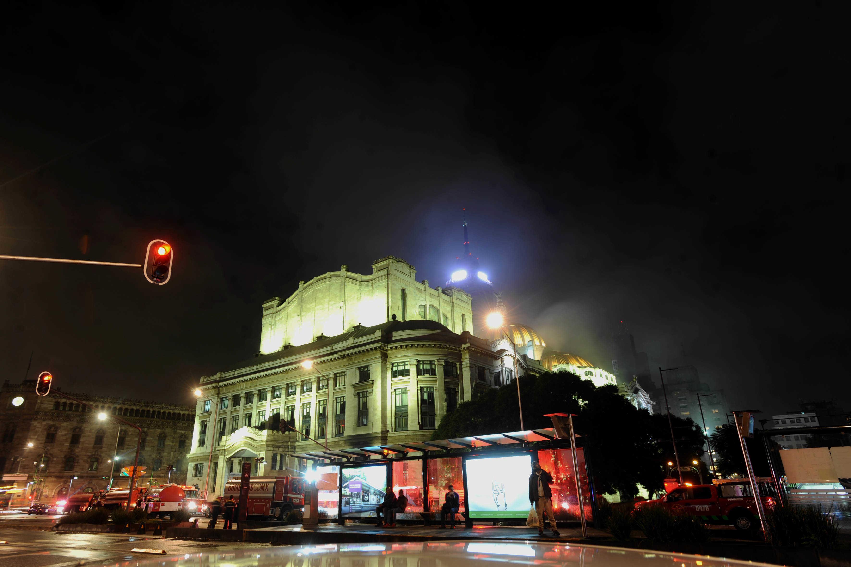 Se registra incendio en Bellas Artes, por cortocircuito