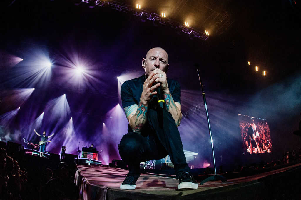 Médicos forenses confirma el suicidio de Chester Bennington de Linkin Park