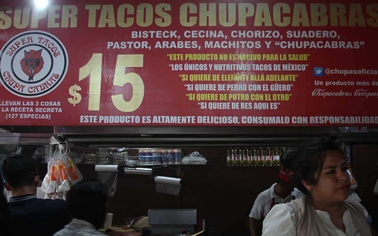 Letrero Los Chupacabras