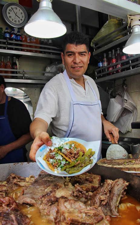 Alberto Sarabia, taquero de Los Cocuyos