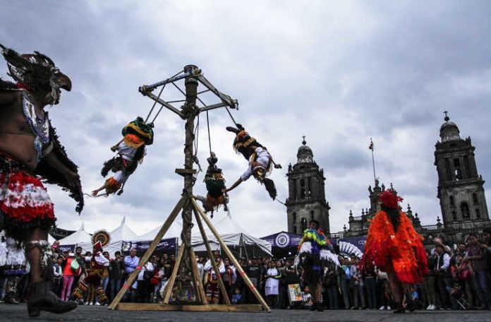 Fiesta de las Culturas Indígenas en el Zócalo
