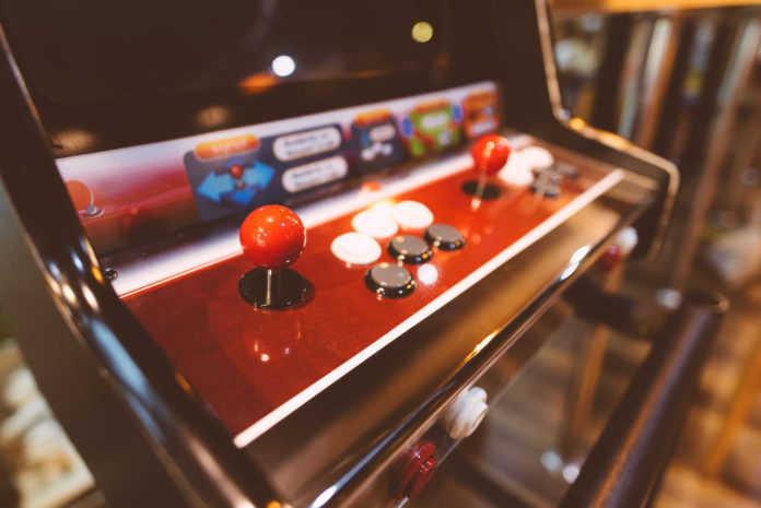La nueva expo del MUJAM será sobre la cultura gamer de nuestra ciudad y exhibirá maquinitas intervenidas.