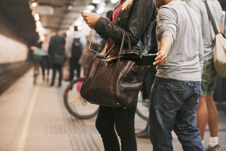 De 853 robos en el Metro, casi la mitad perdona al ladrón