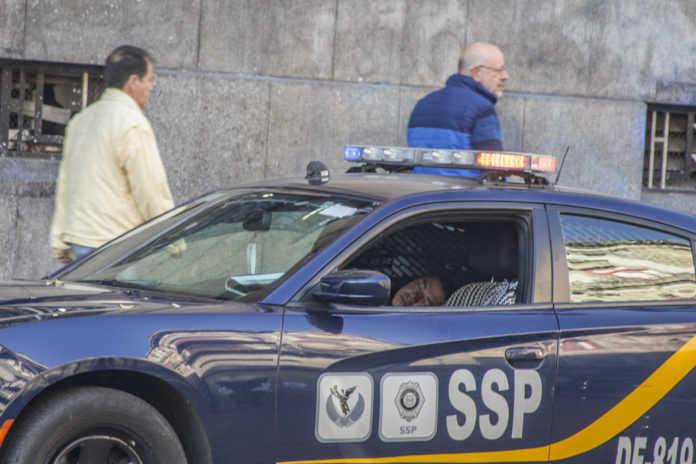 Polis tras asalto a José Ramón Zavala