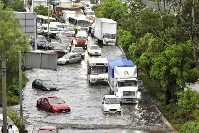 Algunas zonas de la ciudad presentan encharcamientos por la lluvia, aquí te decimos cuáles son.
