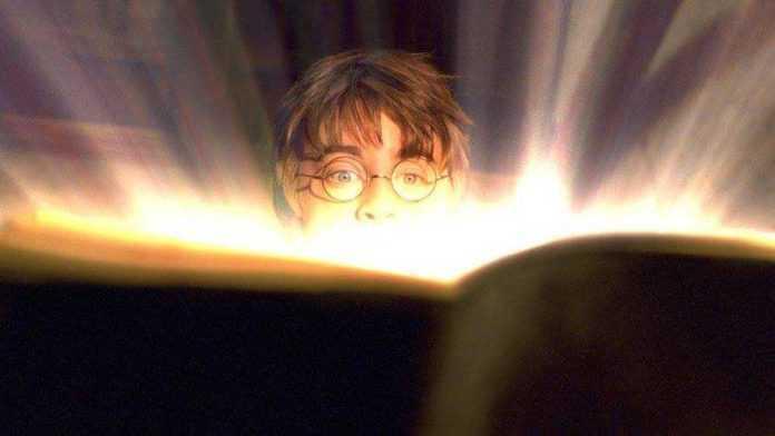 En el evento podrás comer como si vivieras en el universo de Harry Potter porque habrá cerveza de mantequilla y pociones mágicas.