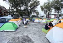 A tres meses del sismo, cientos de personas siguen viviendo como damnificados.