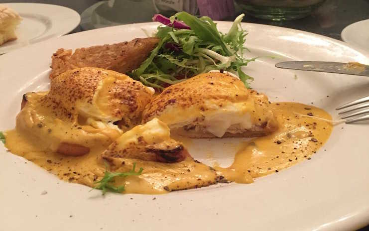 Huevos benedictinos de Breakfast