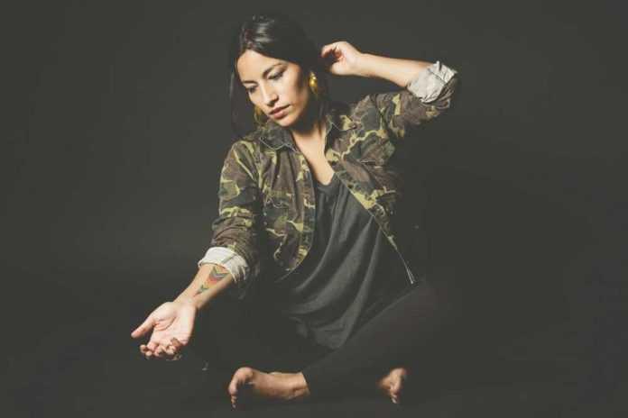 Ana Tijoux, La Banda Bastön y MC Luka