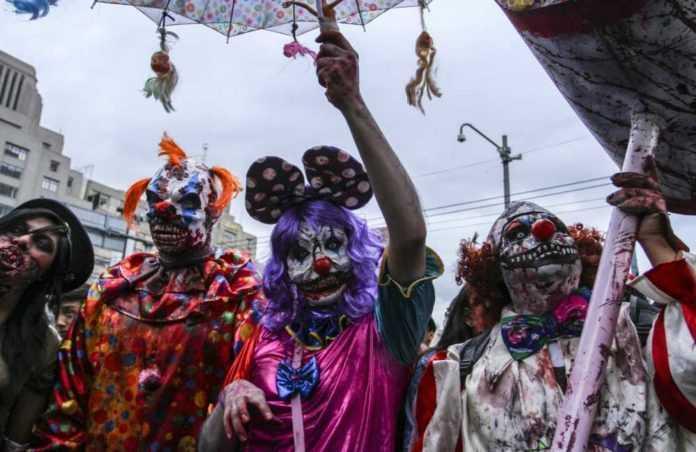 Marcha zombie en la Ciudad de México 2017.