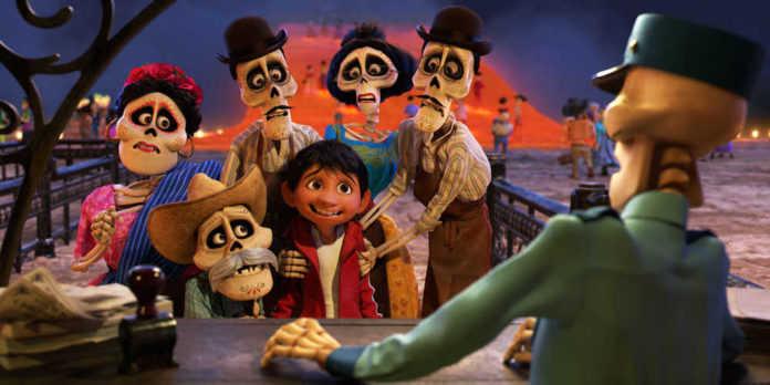 La película Coco va por nominación al Oscar.