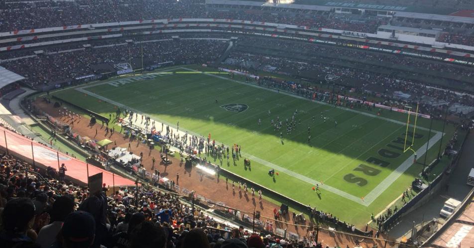 NFL México 2017  Patriotas aplastaron a los Raiders en el Azteca 6407c38712f