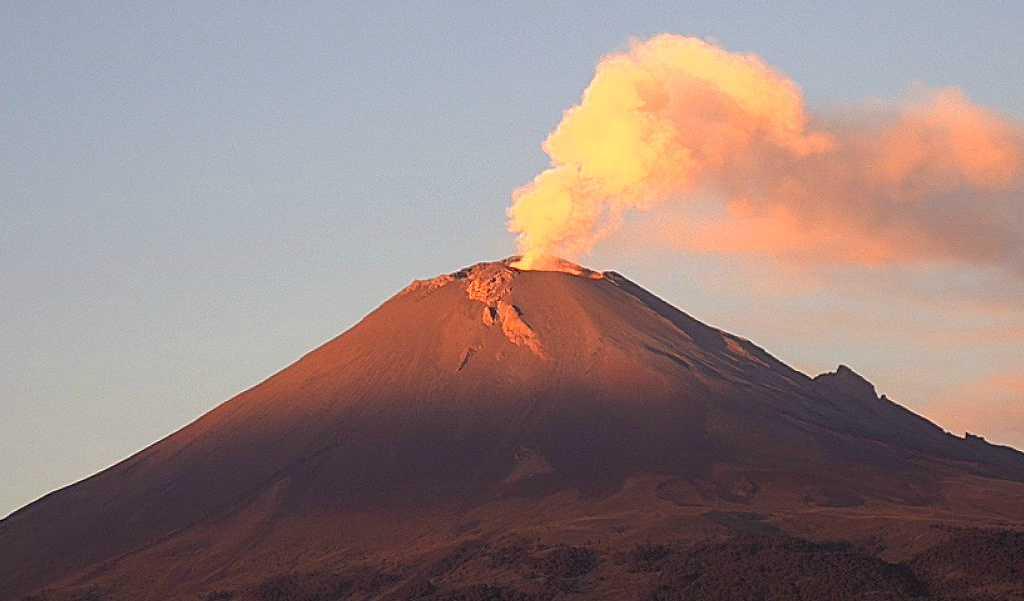 Reportan caída de ceniza del Popocatépetl en dos municipios de Morelos