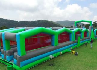 Carrera de inflables en Ciudad Deportiva