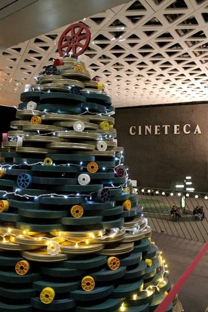 Árboles de Navidad chistosos Cineteca
