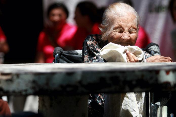 Adultos mayores abandono