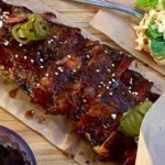 costillas BBQ en Da Pho Qin Ramen