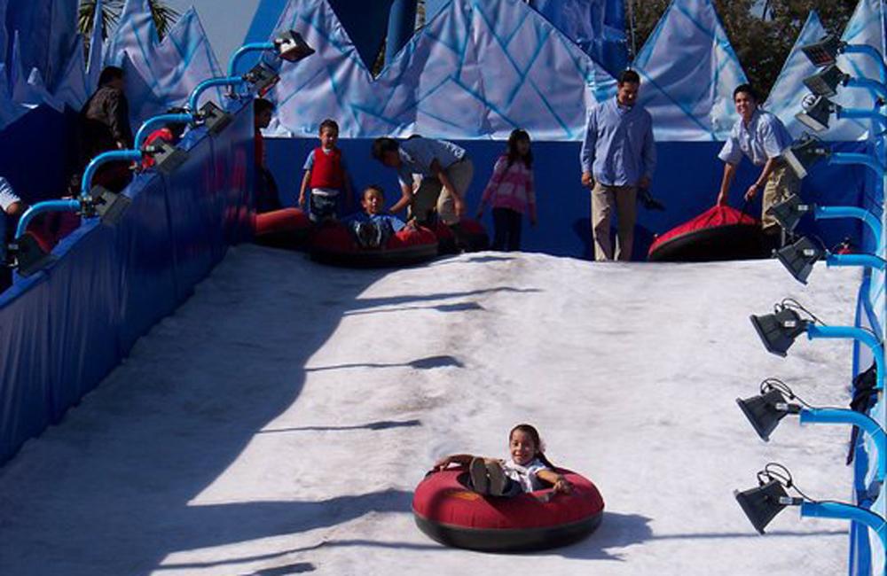 Ve A Jugar Con Nieve En La Feria Del Polo Norte En La Feria De