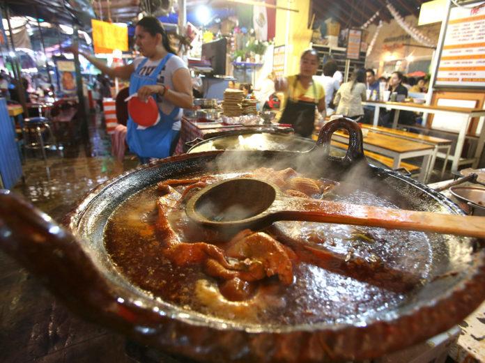 mercados de comida nocturnos