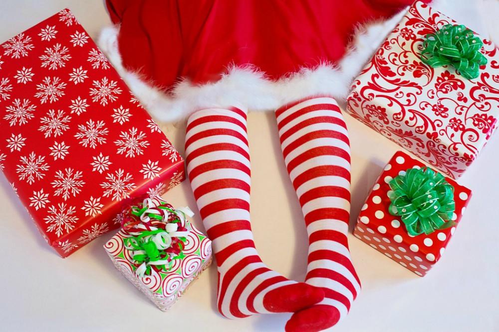 Regalos navideños raros. La guía para no regalar calcetines