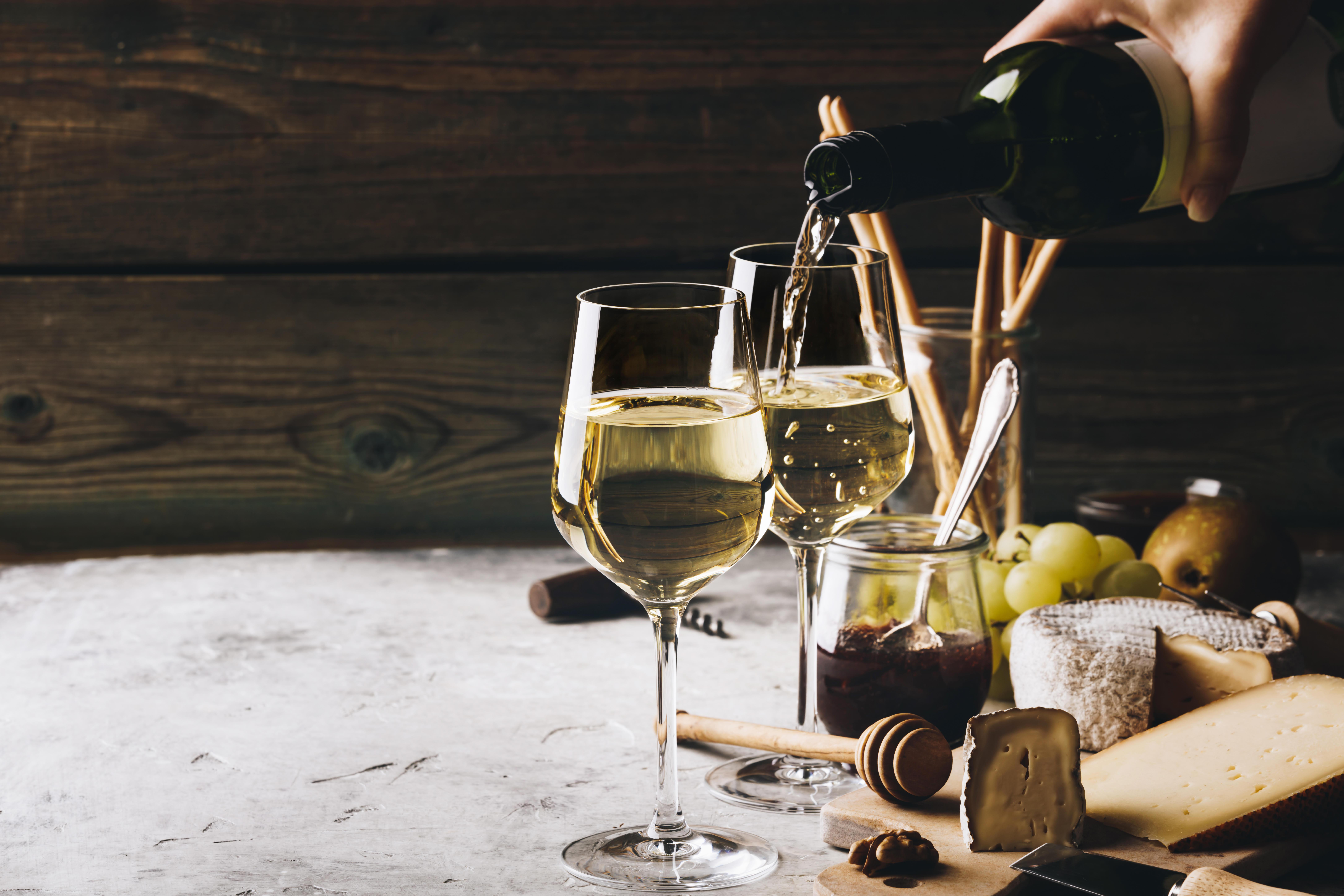¡Bebe bien! Veinte muy buenos vinos por menos de $250 🍷🥂