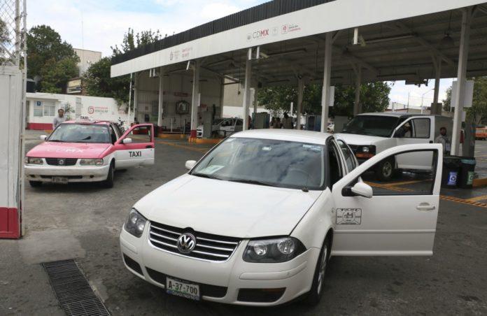 La Secretaria del Medio Ambiente señaló que esta prórroga a la verificación vehicular se debe a que instalarán equipos de revisión en los verificentros.