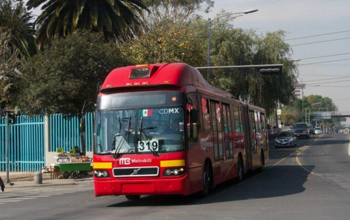 apertura del Metrobús en Reforma