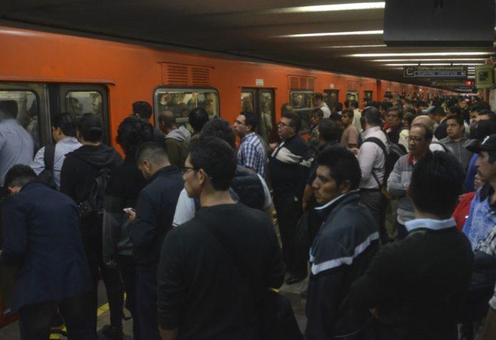 asalto en la linea 2 del metro