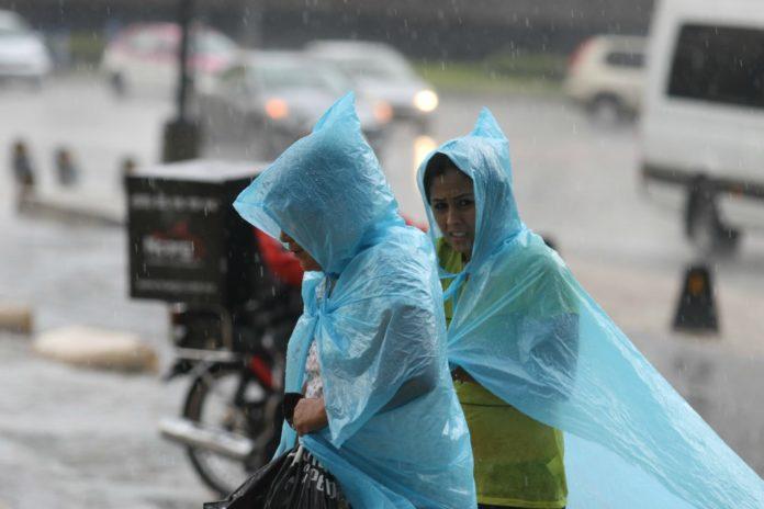 Tendremos una temperatura en la Ciudad de México más cálida; sin embargo, hay altas probabilidades de lluvia.