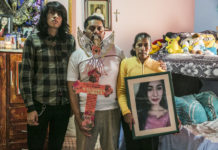La familia de Victoria Salas (de izquierda a derecha: Víctor Salas, Salvador Sampedro y Consuelo Salas) busca justicia desde hace ya cinco meses.