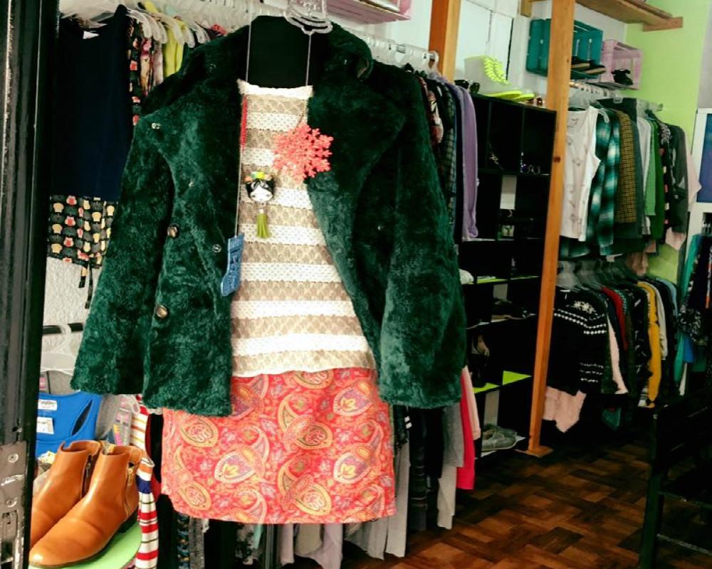 63b73096d4 1. Vintrend. Foto  Facebook Vinitrend. Esta tienda de ropa ...