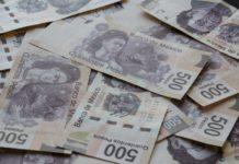 Un policía encontró 10 mil pesos en la Ciudad de México y decidió reportar su hallazgo para que pudieran encontrar a los dueños.