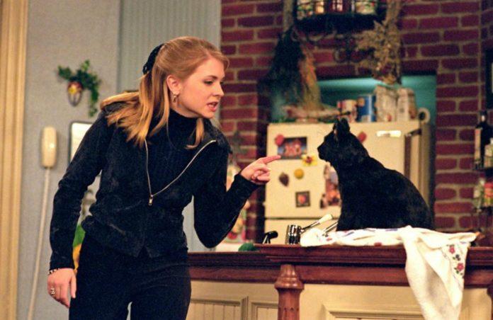 Esto sabemos de la nueva versión de Sabrina la bruja adolescente.