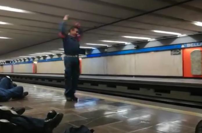 técnico del metro bailando
