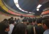 caos en la línea 7 del metro